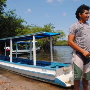 Morador da comunidade de Maripá, às margens do Tapajós, o Gabriel escolheu bem o facão que levou para nos guiar por uma longa trilha até a comunidade de Anã.
